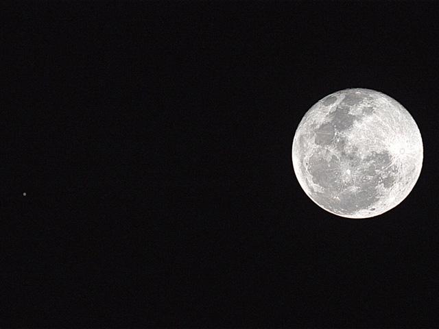 画面を左クリックしてBLOG木星と月の接近へどうぞ