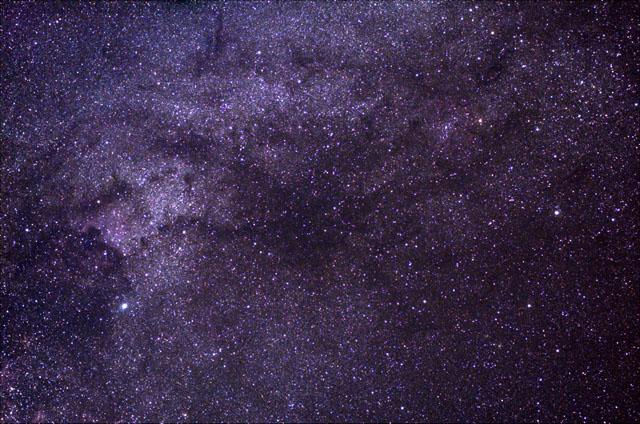 画像左クリックでペルセ群流星へジャンプします